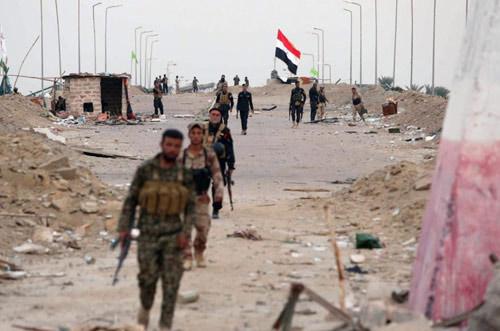 IS thảm sát công khai 46 chiến binh chống đối - 3
