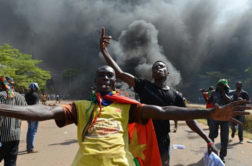 Tổng thống Burkina Faso bị quân đội lật đổ - 3