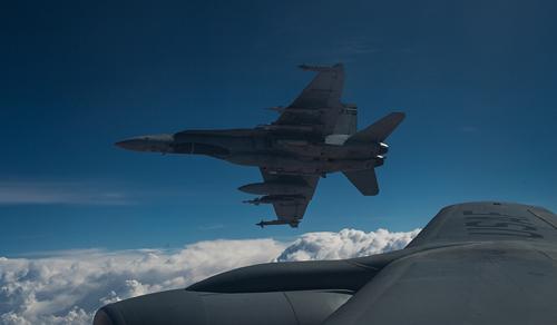 Canada dội bom laser xuống mục tiêu IS ở Iraq - 1