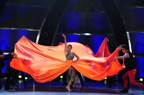 """Đoan Trang """"lấn sân"""" nhảy múa gây ấn tượng mạnh - 1"""