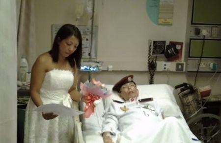 Đám cưới trên giường bệnh của chàng sĩ quan