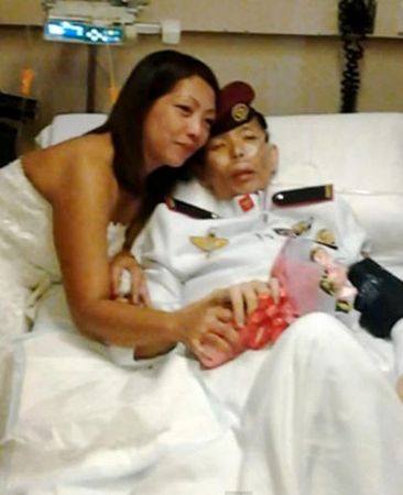 Đám cưới trên giường bệnh của chàng sĩ quan - 2