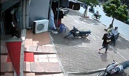 Video: Trộm SH không thành, mất luôn xe Wave - 1