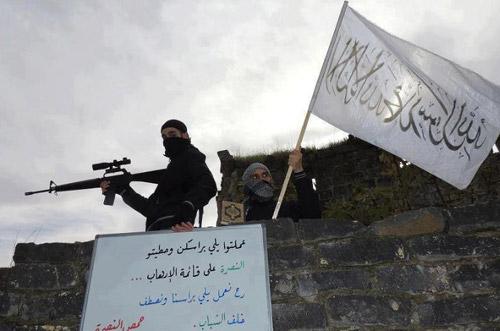 Nhận vũ khí Mỹ, chiến binh Syria nộp hết cho Al-Qaeda - 3
