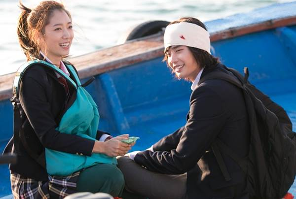 """""""Bạn gái Kim Tan"""" hóa cô bé người gỗ ngổ ngáo - 11"""