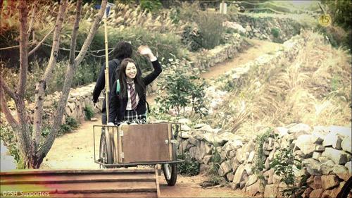 """""""Bạn gái Kim Tan"""" hóa cô bé người gỗ ngổ ngáo - 9"""