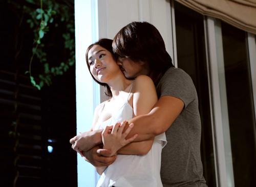 Maya ngọt ngào ôm hôn bạn diễn nam trong MV - 3