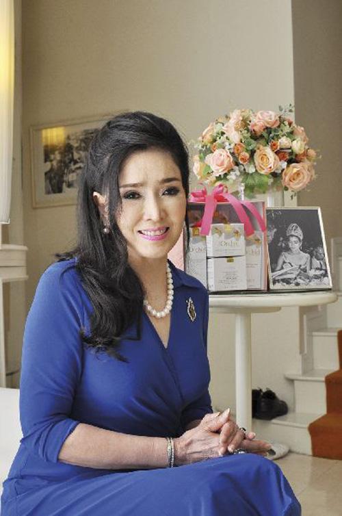 """Sự thật về nhan sắc """"không tuổi"""" của hoa hậu U70 - 6"""