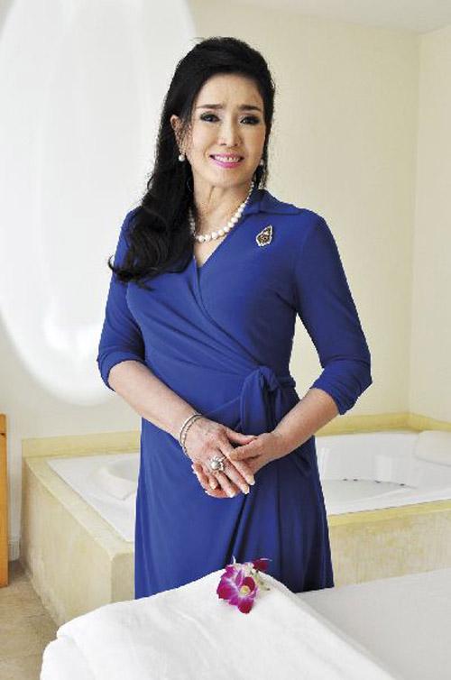 """Sự thật về nhan sắc """"không tuổi"""" của hoa hậu U70 - 5"""