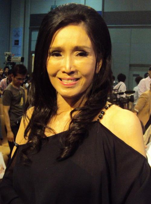 """Sự thật về nhan sắc """"không tuổi"""" của hoa hậu U70 - 4"""