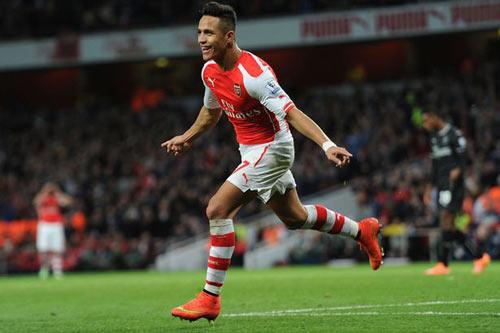 """Arsenal vào top 4: Pháo thủ giờ mới """"nóng máy"""" - 1"""