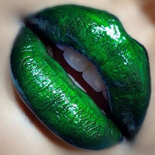 9 cặp môi căng mọng, ngọt lịm như kẹo - 5