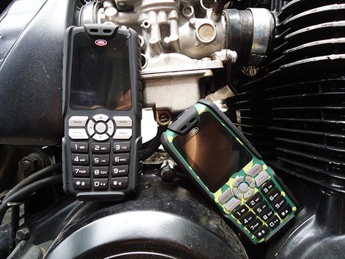 Điện thoại siêu bền pin dùng 20 ngày mua 1 được 2 - 12