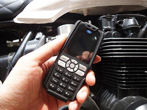 Điện thoại siêu bền pin dùng 20 ngày mua 1 được 2 - 4