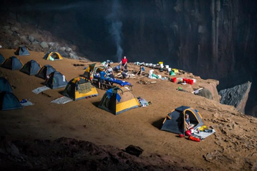 6 đêm ở hang Sơn Đoòng - Tour du lịch đắt nhất VN - 15