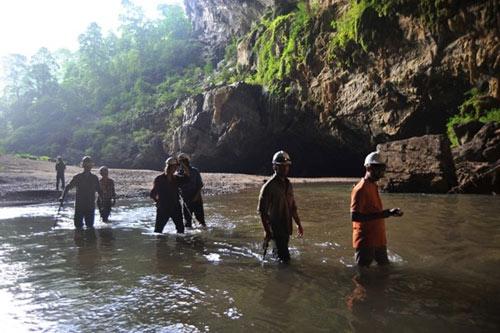 6 đêm ở hang Sơn Đoòng - Tour du lịch đắt nhất VN - 2
