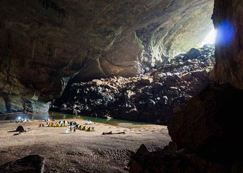 6 đêm ở hang Sơn Đoòng - Tour du lịch đắt nhất VN - 3