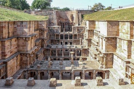 Thăm ngôi đền lạ kỳ có kiến trúc ngược - 1