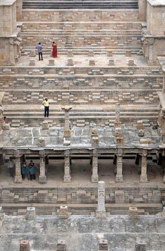 Thăm ngôi đền lạ kỳ có kiến trúc ngược - 7