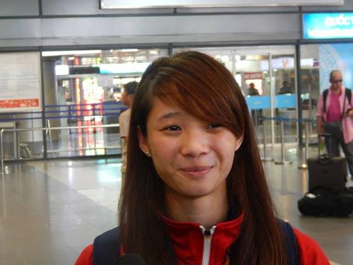 Nhà vô địch wushu Dương Thúy Vi vui mừng về nhà - 1