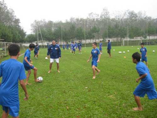 Chiến thuật đảo cánh hiện đại của U19 Việt Nam - 1