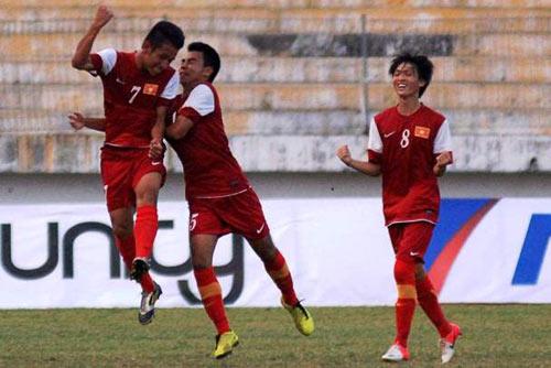 """Xem """"lính"""" bầu Đức """"hành hạ"""" U19 Malaysia - 2"""