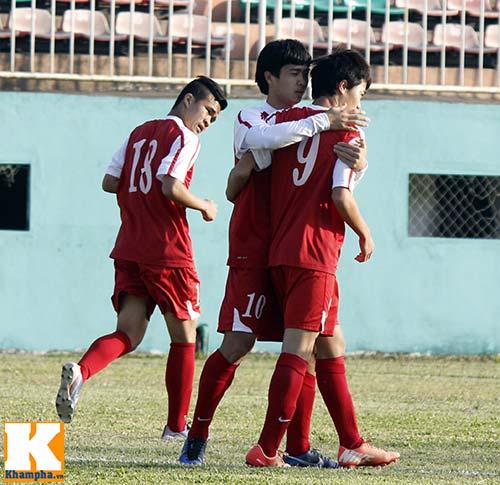 """U19 Việt Nam làm """"náo động"""" Pleiku - 2"""