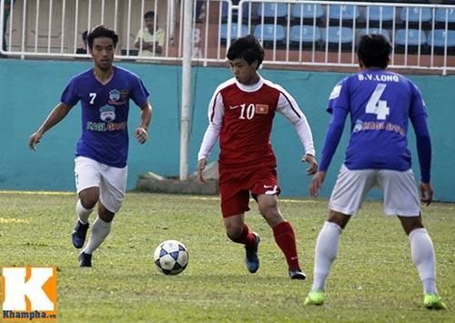 """U19 Việt Nam làm """"náo động"""" Pleiku - 4"""