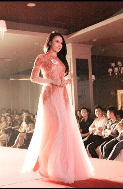 Hot girl Việt xinh đẹp trong tà áo dài - 11