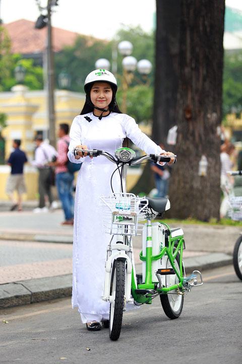 Hot girl Việt xinh đẹp trong tà áo dài - 6