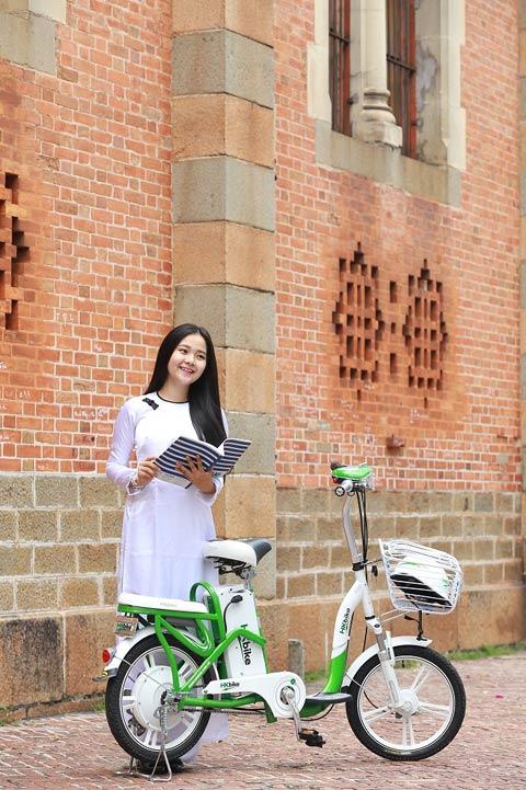 Hot girl Việt xinh đẹp trong tà áo dài - 8