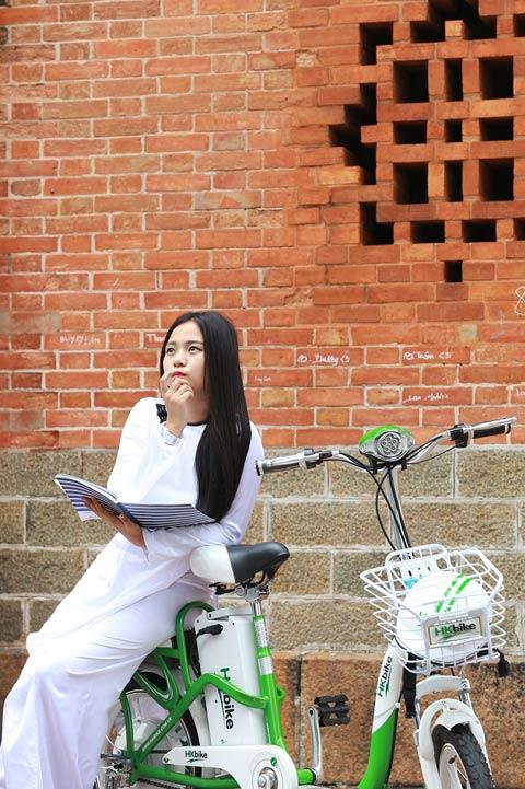Hot girl Việt xinh đẹp trong tà áo dài - 7