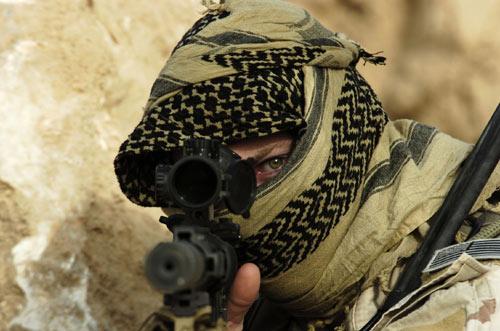 Mỹ đang sát cánh cùng 5 nhóm khủng bố chống lại IS - 2
