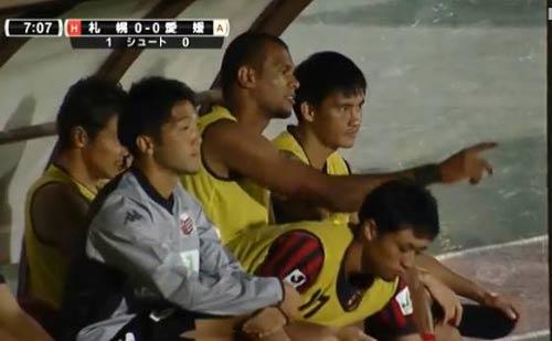 Công Vinh ra mắt, Sapporo thắng đậm - 1
