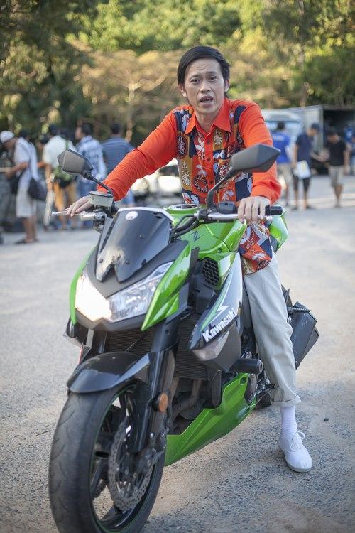 Cha con Hoài Linh đóng cảnh hành động không cần thế thân - 6