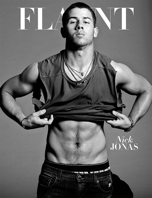 Nick Jonas khoe cơ bắp trên tạp chí đồng tính - 7