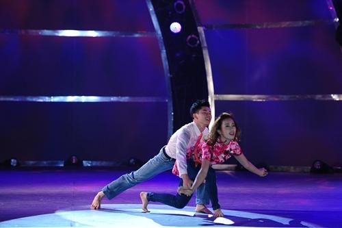 John Huy Trần bật khóc trước bài nhảy về cuộc đời mình - 3