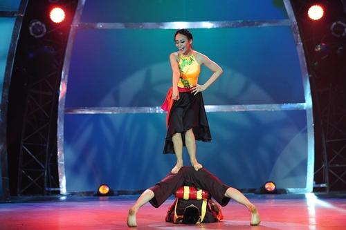 John Huy Trần bật khóc trước bài nhảy về cuộc đời mình - 14