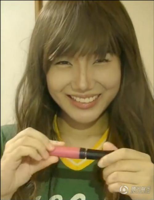 """Ngạc nhiên với tài """"biến hình"""" thành SNSD của fan nữ Nhật - 1"""
