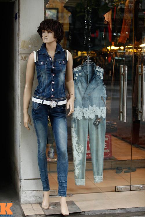 Khảo giá trang phục denim nữ cho ngày gió mùa - 1