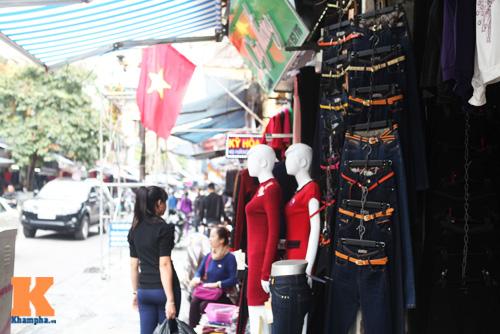 Khảo giá trang phục denim nữ cho ngày gió mùa - 10