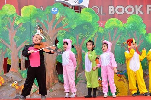 Hàng ngàn người tham dự Vinschool Book Fair 2014 - 4