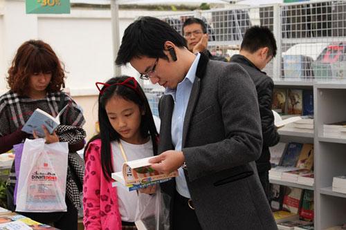 Hàng ngàn người tham dự Vinschool Book Fair 2014 - 1