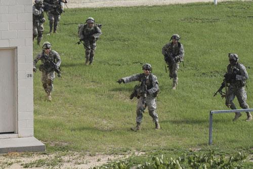Lính dù Mỹ chống IS: Đòn tấn công bất ngờ (Kỳ 2) - 2