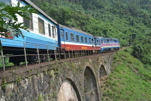Trên cung đường sắt nguy hiểm bậc nhất Đông Dương - 5