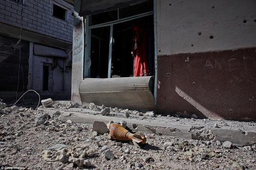 Hình ảnh chân thực về cuộc chiến chống IS tại Kobani - 7