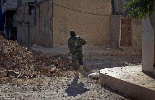 Hình ảnh chân thực về cuộc chiến chống IS tại Kobani - 8
