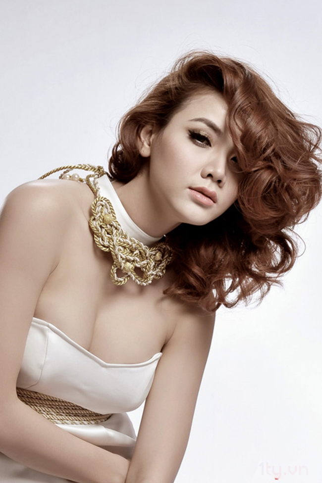 Nữ diễn viên kiêm người mẫu Trang Nhung mới đây vừa công bố cô sẽ quyết định bước chân sang lĩnh vực ca hát.