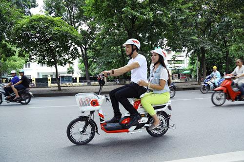 Dòng xe đạp điện giá rẻ hút khách trên thị trường - 1