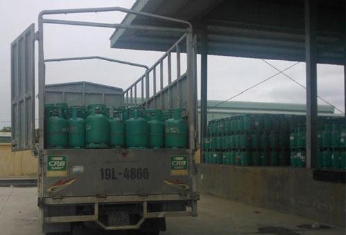 """""""Đột kích"""" kho sang chiết gas trái phép lớn tại Hưng Yên - 1"""